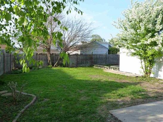 Fenced Yard (photo 4)