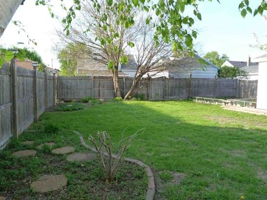 Fenced Yard (photo 5)