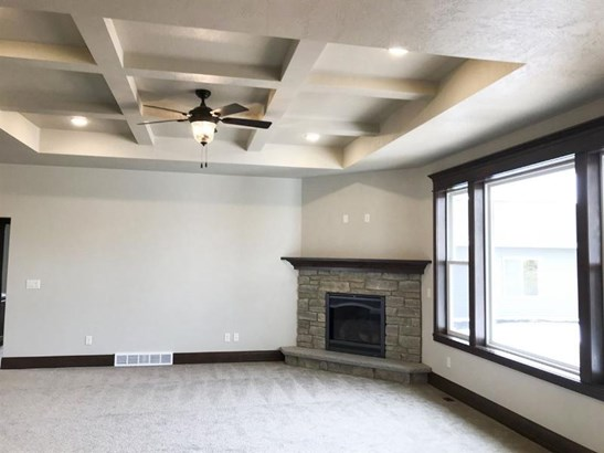 Living room with coffered ceil (photo 2)