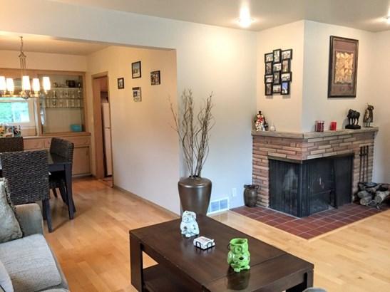 Living Room w/ Fireplace (photo 2)