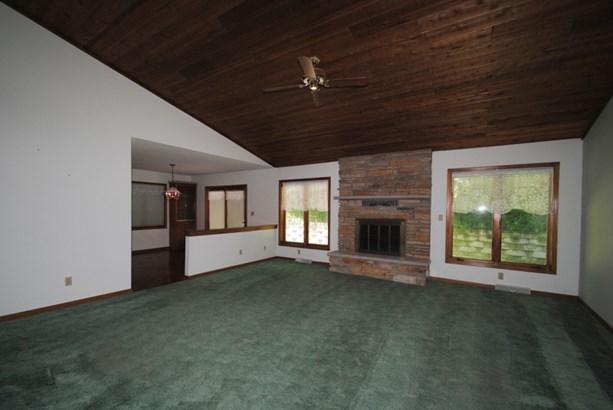 Spacious Living Area (photo 3)