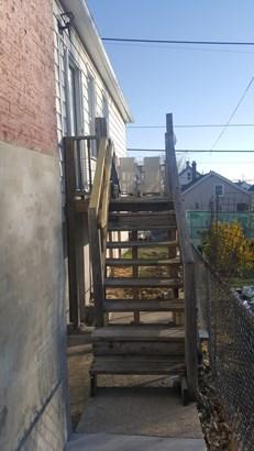 Living Quarters Entrance (photo 3)