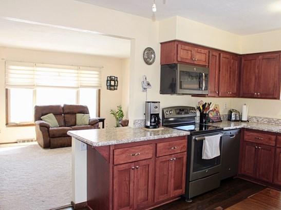 Kitchen & Living Room (photo 3)
