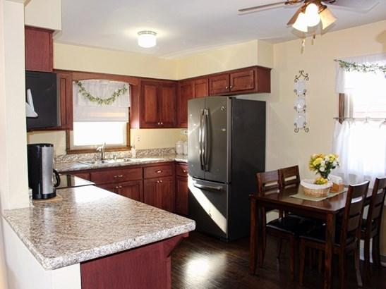 Kitchen overlooking Dining (photo 4)