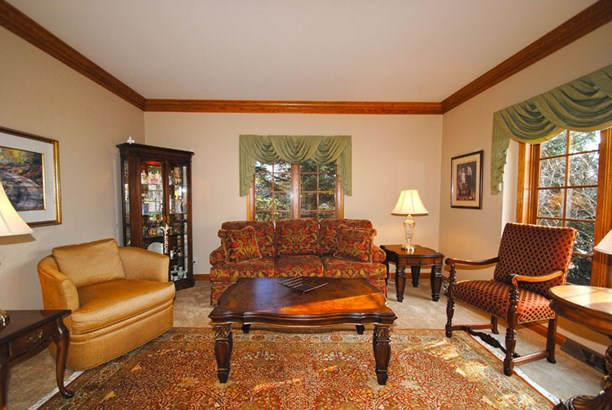 Formal Living Room (photo 3)
