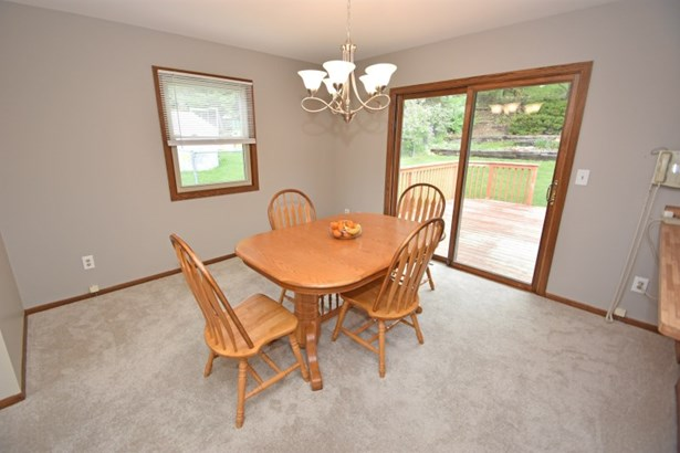 Dining with Deck Access (photo 5)