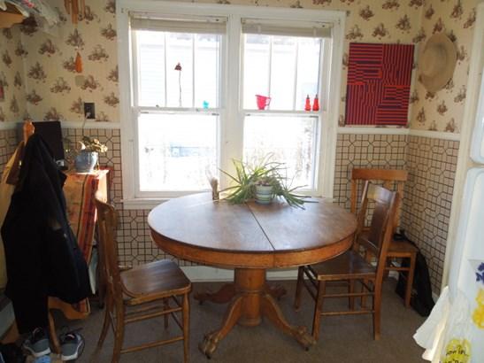 Kitchen Dining Area (photo 5)