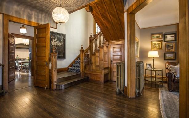 Captivating Foyer (photo 2)