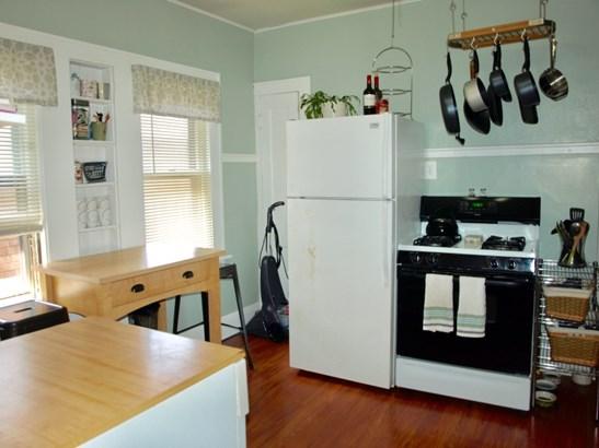 Upper Kitchen (photo 2)