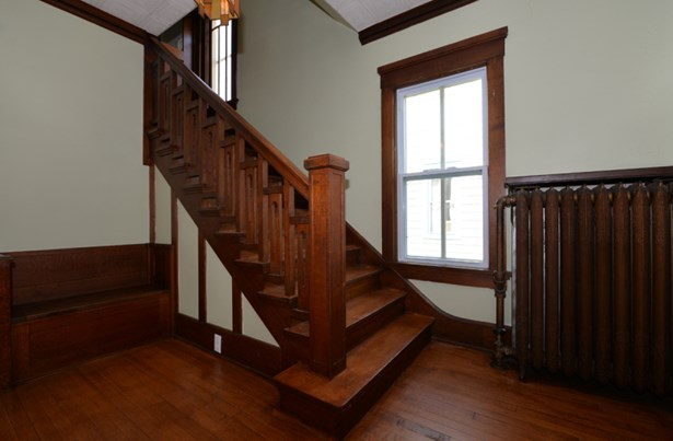 Stairs to 2nd floor (photo 4)
