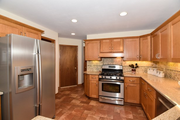 Stainless appliances (photo 3)