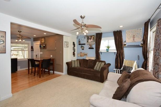 Living room from front door (photo 2)