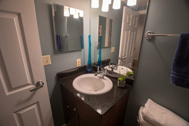 Powder Room for Guests! (photo 5)