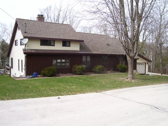 Front of Home (photo 2)