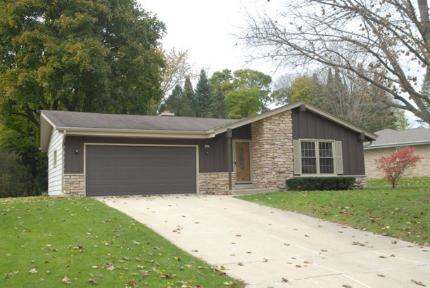 3 BR Ranch near Root River (photo 1)