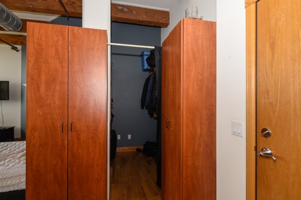 Closet (photo 3)