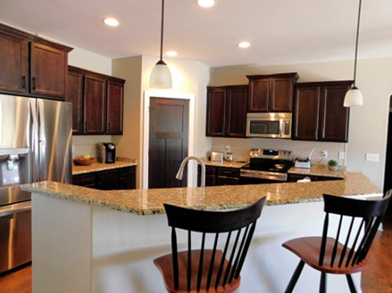 Stainless Steel Appliances (photo 4)