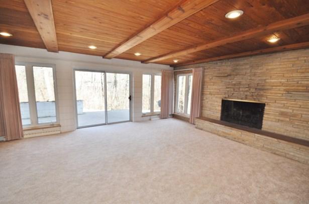 Sunny Living Room (photo 2)