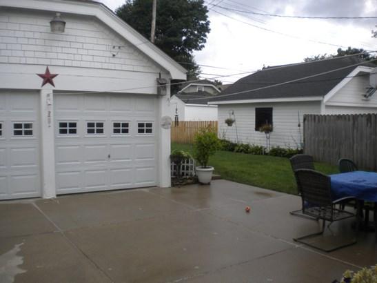 Garage Patio (photo 3)