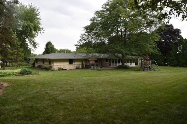 Backyard - 0.96 acres (photo 2)