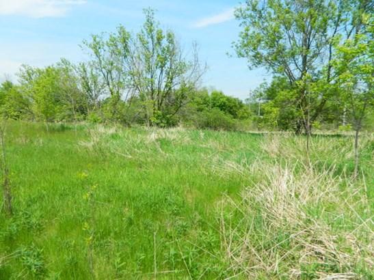 Build-able 36.78 acre lot (photo 2)