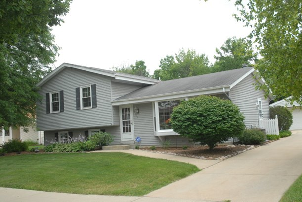 Great Curb Appeal (photo 1)