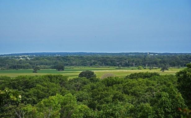 Gorgeous Hilltop Views! (photo 1)