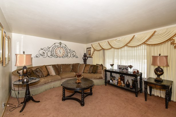 Living Room - Lower (photo 2)
