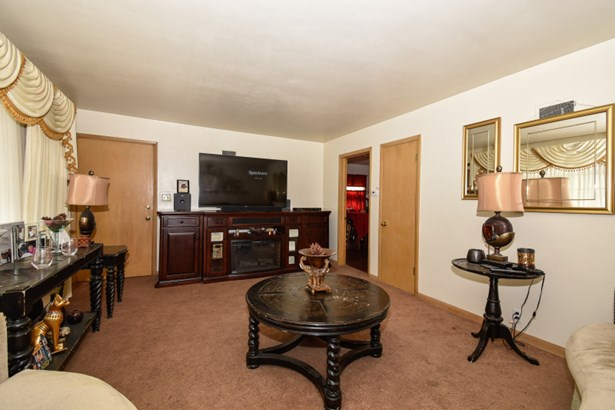 Living Room - Lower (photo 3)