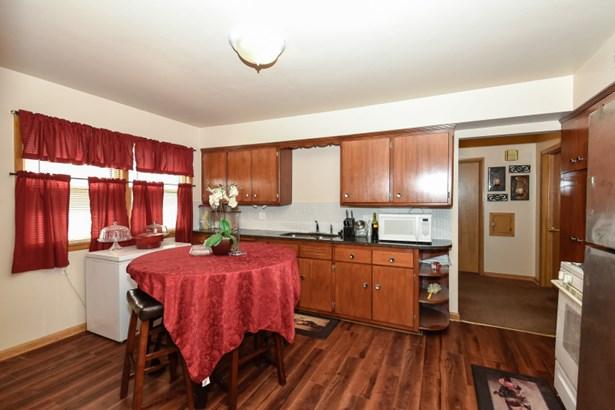 Kitchen - Lower (photo 4)