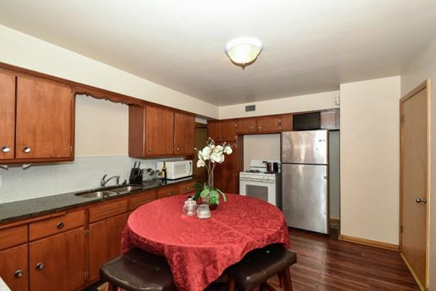 Kitchen - Lower (photo 5)