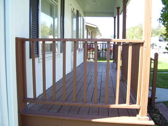 Front Porch (photo 4)