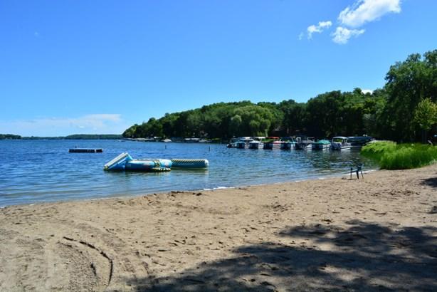 Private Sandy Beach (photo 2)