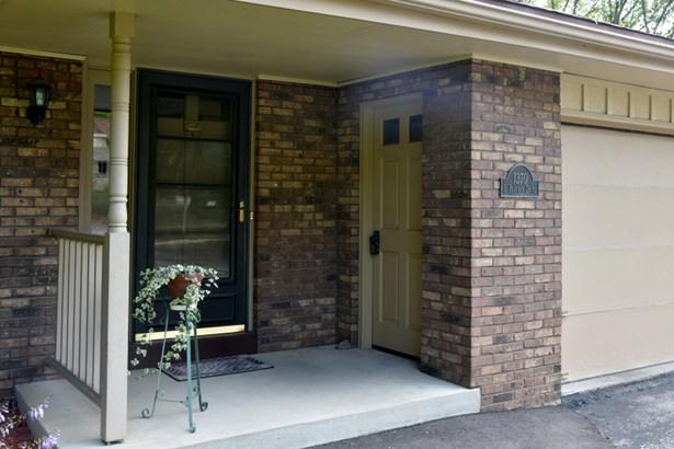 Front Porch (photo 4)
