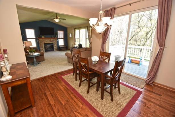 Dinette with Deck Access (photo 4)