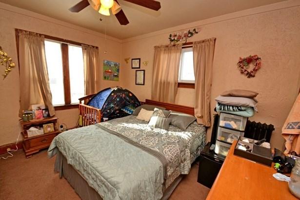 Upper Bedroom (photo 5)