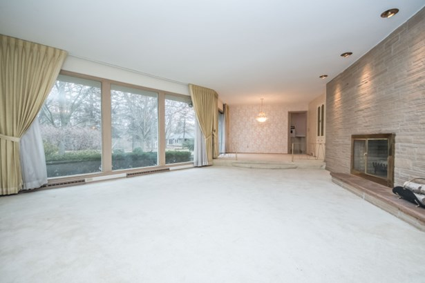 Large Windows in Family Room (photo 3)