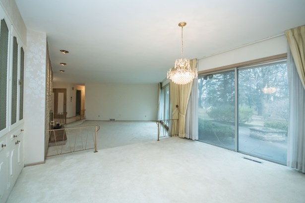 Dining Room w/ Patio Access (photo 4)