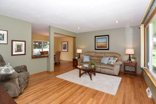 Harwood Floors in Many Rooms (photo 4)