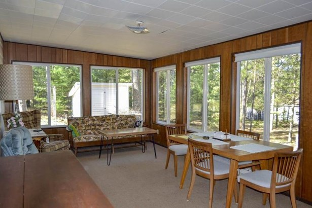 3 seasons room (photo 2)