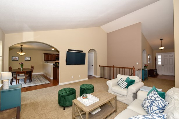 Vaulted Ceilings/Open to DR (photo 5)