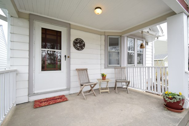 Great Porch (photo 2)