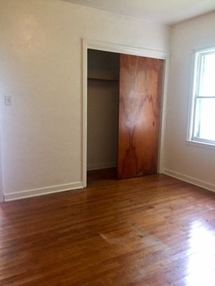 Lower Bedroom 1 (photo 5)