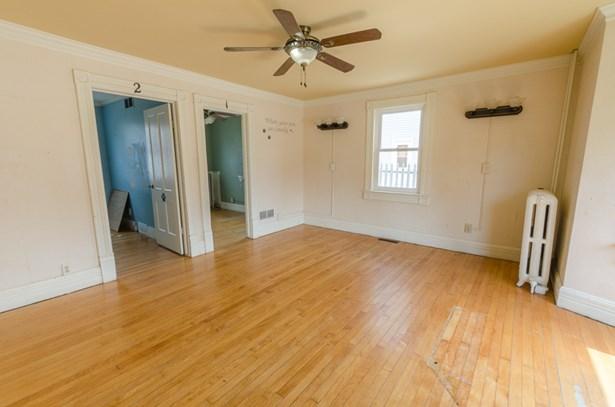 hardwood floors (photo 5)