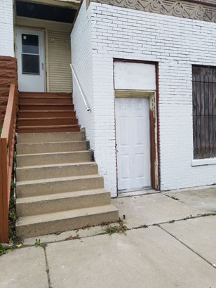 Front Entrance to Units (photo 4)
