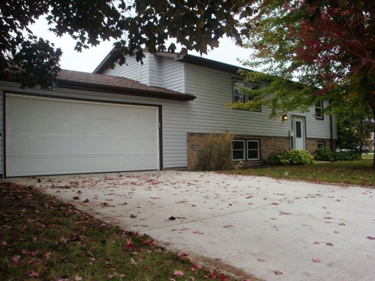 New driveway in 2015 (photo 2)