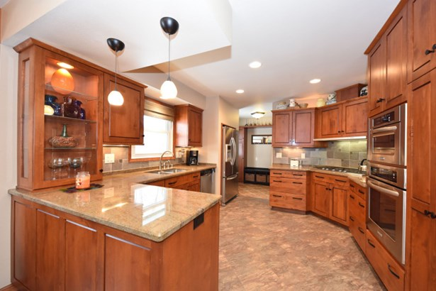 Newer WI Kitchen Mart Remodel (photo 1)