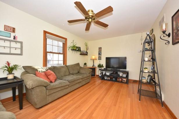 Living Room w/HWFs (photo 2)