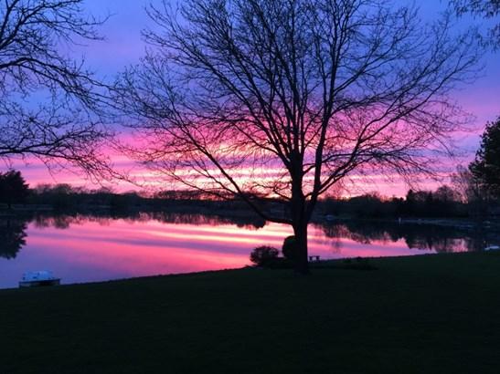 Spectacular Sunsets (photo 2)