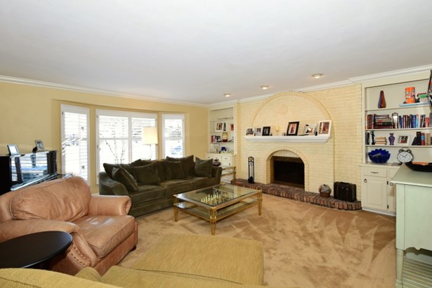 Living/Great Room (photo 5)